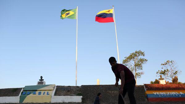 La frontera entre Venezuela y Brasil en Pacaraima - Sputnik Mundo
