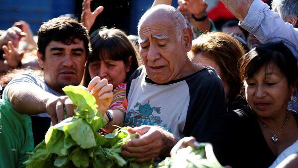 El verdurazo, la protesta de la Unión de Trabajadores de la Tierra en Buenos Aires - Sputnik Mundo