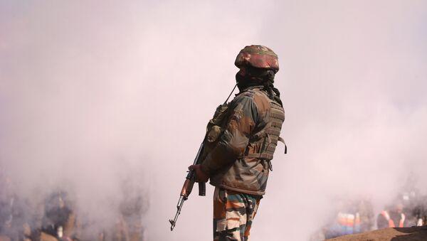 Un militar indio - Sputnik Mundo