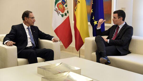 El presidente de la República de Perú, Martín Vizcarra, y el presidente del Gobierno de España, Pedro Sánchez - Sputnik Mundo