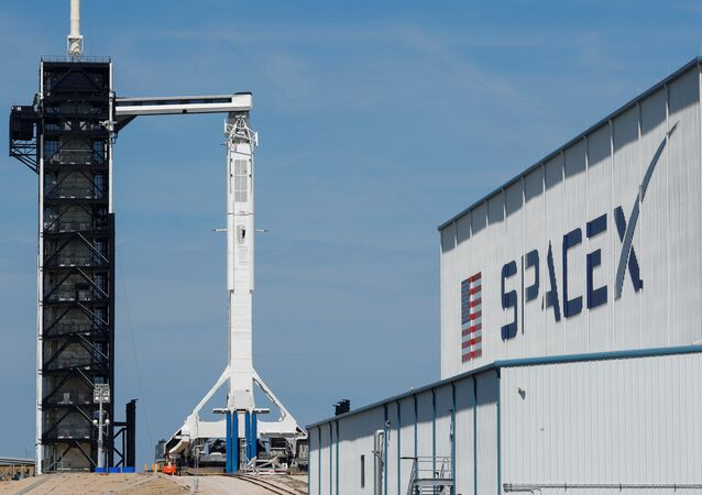 Lanzamiento de la nave espacial Dragon 2 (Crew Dragon)