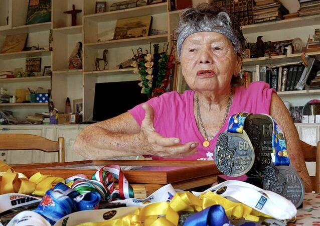 María Eugenia Walls Galindo, conocida como La Sirena de Acapulco, una nadadora profesional de México