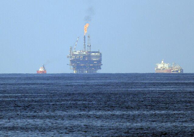 Una plataforma de la petrolera Eni (imagen referencial)