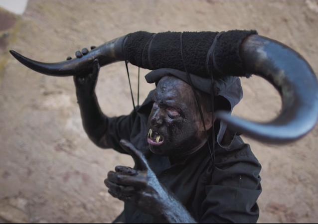 Enviados del infierno llenan las calles de Luzón, en España