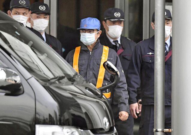 Carlos Ghosn, exjefe del consorcio automovilístico Nissan (centro)