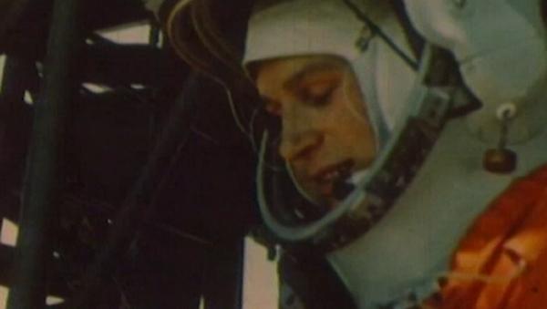 Así fue la hazaña de Tereshkova: la primera cosmonauta del mundo cumple 82 años - Sputnik Mundo