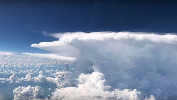 Tormenta vista desde un avión - Sputnik Mundo