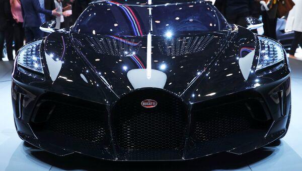 El 'La Voiture Noire' de Bugatti - Sputnik Mundo