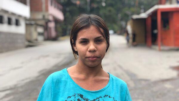 María Eugenia, caraqueña de 17 años, estudiante, posa para la foto en El Carmen - Sputnik Mundo