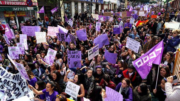 La marcha de las mujeres en Madrid - Sputnik Mundo