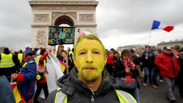 Las protestas de los 'chalecos amarillos' en Francia - Sputnik Mundo