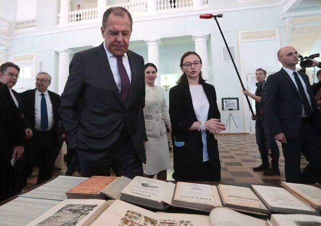 El canciller ruso, Serguéi Lavrov, durante la ceremonia de inauguración de una exposición 'A las orillas de América Latina'