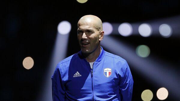 Zinedine Zidane, exfutbolista y entrenador francés (archivo) - Sputnik Mundo