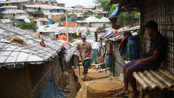 Campo de refugiados rohinyás en Banglades - Sputnik Mundo