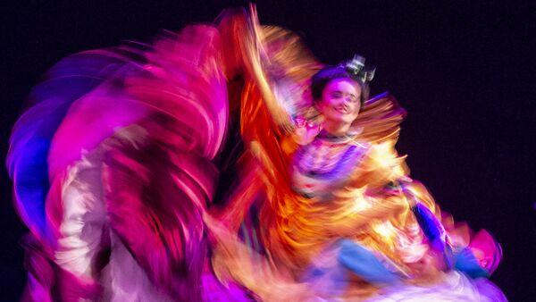 Bailarina del Ballet Folklórico de México de Amalia Hernández durante una presentación en el Palacio de Bellas Artes. - Sputnik Mundo