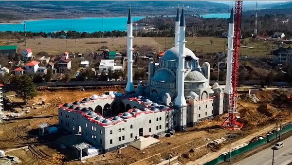 Llega a su fase final la construcción de la Gran Mezquita de Crimea - Sputnik Mundo