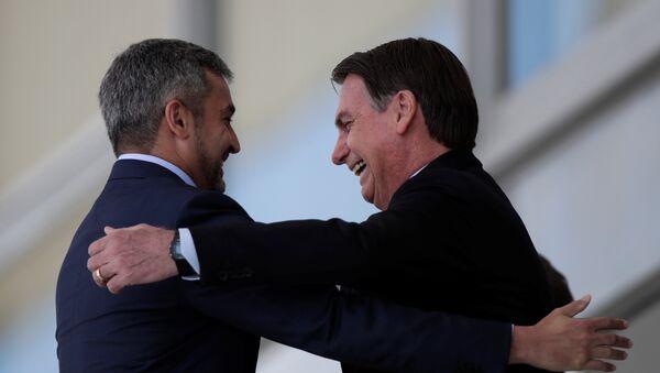 El presidente de Paraguay, Mario Abdo Benítez y el presidente de Brasil, Jair Bolsonaro - Sputnik Mundo