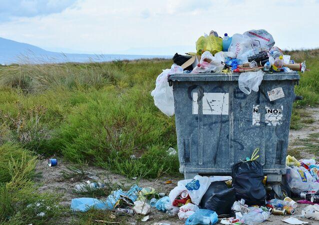 Un contenedor con basura