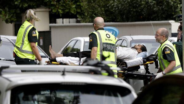 La ambulancia en el lugar del tiroteo en una mezquita de Nueva Zelanda - Sputnik Mundo