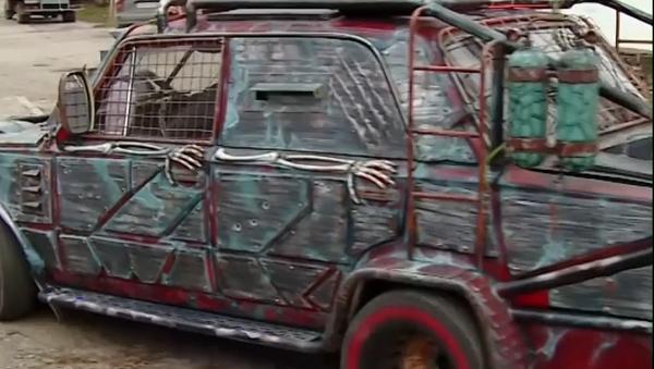 Vídeo: 'Mad Max' sale a las calles rusas - Sputnik Mundo