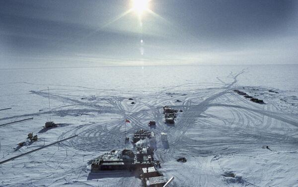 La estación Vostok en 1957 en la Antártida - Sputnik Mundo