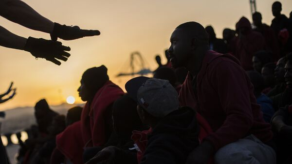 La llegada de los migrantes a España - Sputnik Mundo