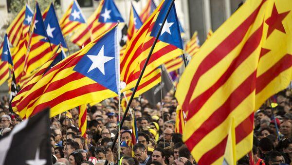 Una protesta a favor de independencia de Cataluña - Sputnik Mundo