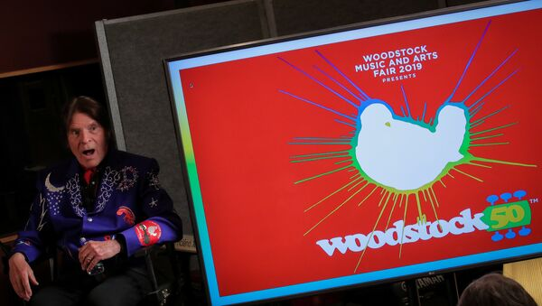 El cantante John Fogerty durante el evento de anuncio del cartel del festival Woodstock 50 - Sputnik Mundo