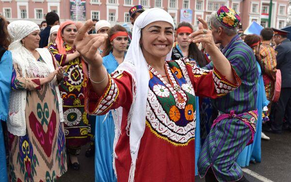 La gente celebra 'Novruz' en Tayikistán - Sputnik Mundo