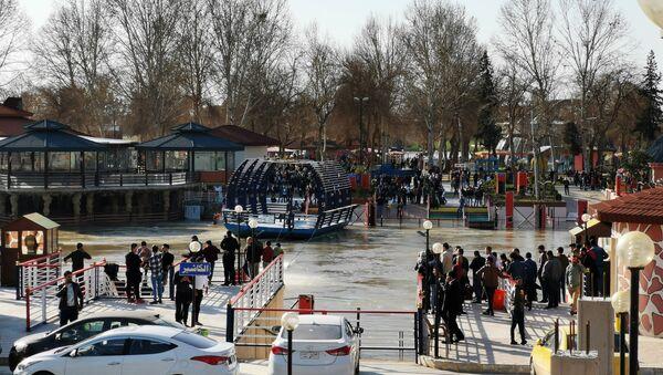 Lugar del hundimiento de un ferry en Mosul, Irak - Sputnik Mundo