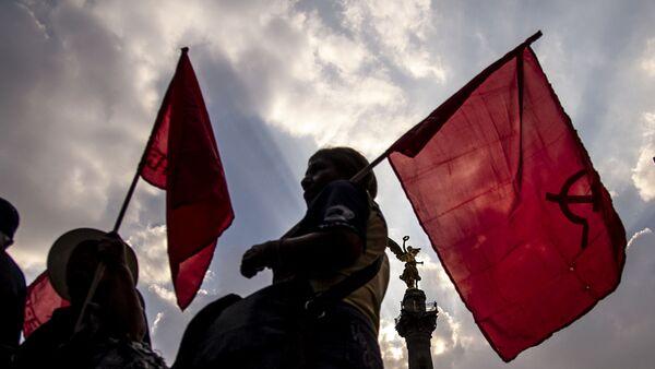 Ciudad de México. Mujeres del Partido Comunista Mexicano en la marcha en apoyo a las huelgas en Matamoros. - Sputnik Mundo