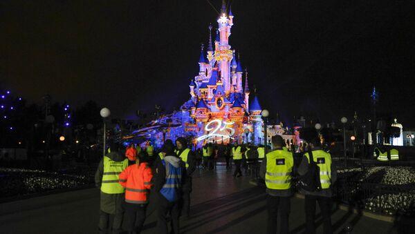 El parque temático Disneyland de París (archivo) - Sputnik Mundo