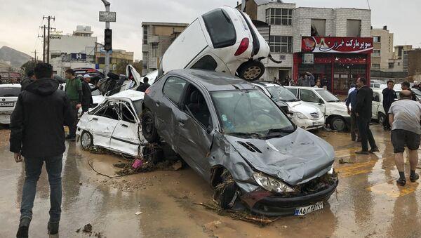 Consecuencias de inundaciones en la ciudad de Shiraz, Irán - Sputnik Mundo