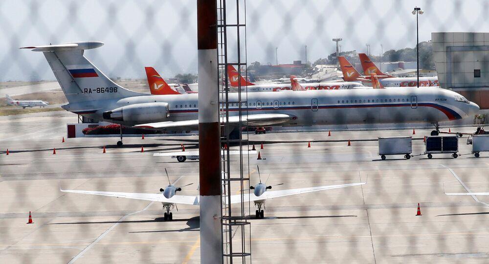 Un avión ruso en el aeropuerto de Maiquetía de Caracas (Venezuela)