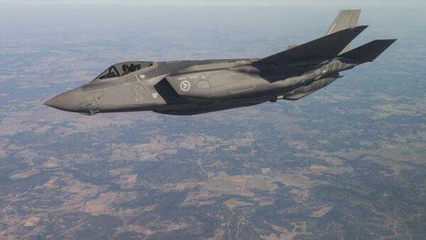 Un caza F-35 (archivo) - Sputnik Mundo