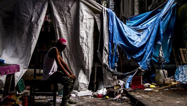 Campamento montado por la comunidad otomí tras su desalojo de la antigua embajada de la República Española en Ciudad de México. - Sputnik Mundo