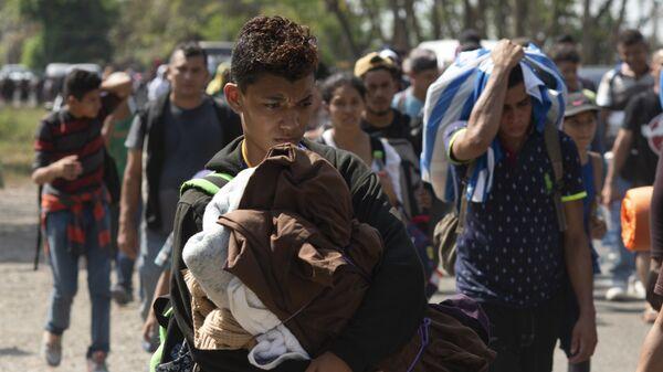 Caravana de migrantes centroamericanos (archivo) - Sputnik Mundo