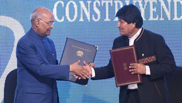 El presidente de la India Ram Nath Kovind y su homólogo boliviano Evo Morales - Sputnik Mundo