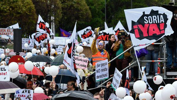 Manifestación de protesta en Madrid - Sputnik Mundo
