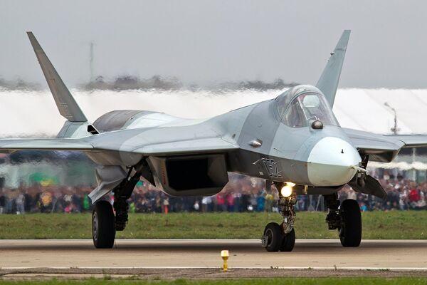 Un caza Su-57 - Sputnik Mundo