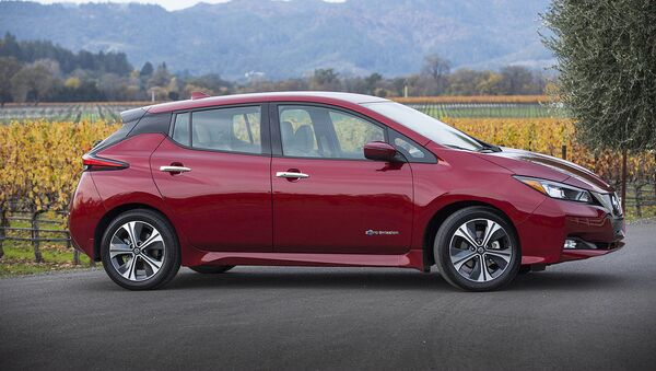 Auto Nissan Leaf - Sputnik Mundo