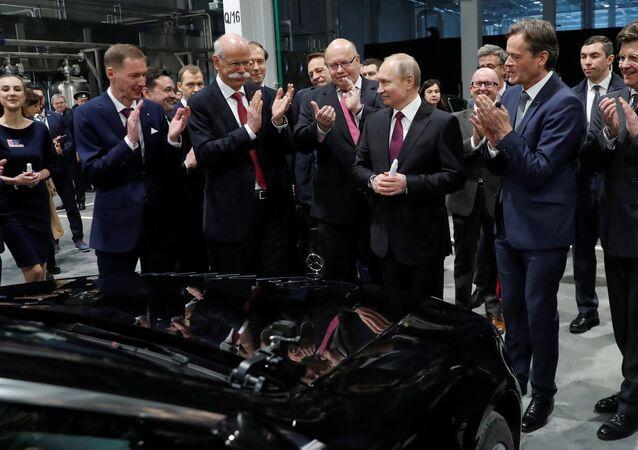 El ministro federal alemán de Economía y Energía, Peter Altmaier junto al presidente de Rusia, Vladímir Putin