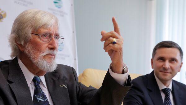 El reconocido oceanólogo francés Jean-Michel Cousteau (izquierda) - Sputnik Mundo