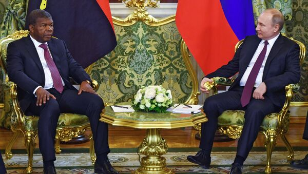 El presidente angoleño, Joao Lourenco, y su homólogo ruso, Vladímir Putin - Sputnik Mundo