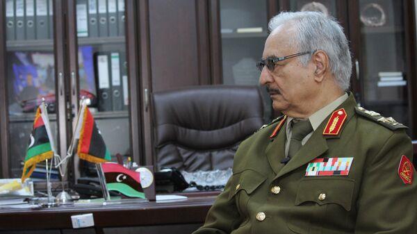 Jalifa Haftar, comandante del Ejército Nacional de Libia - Sputnik Mundo