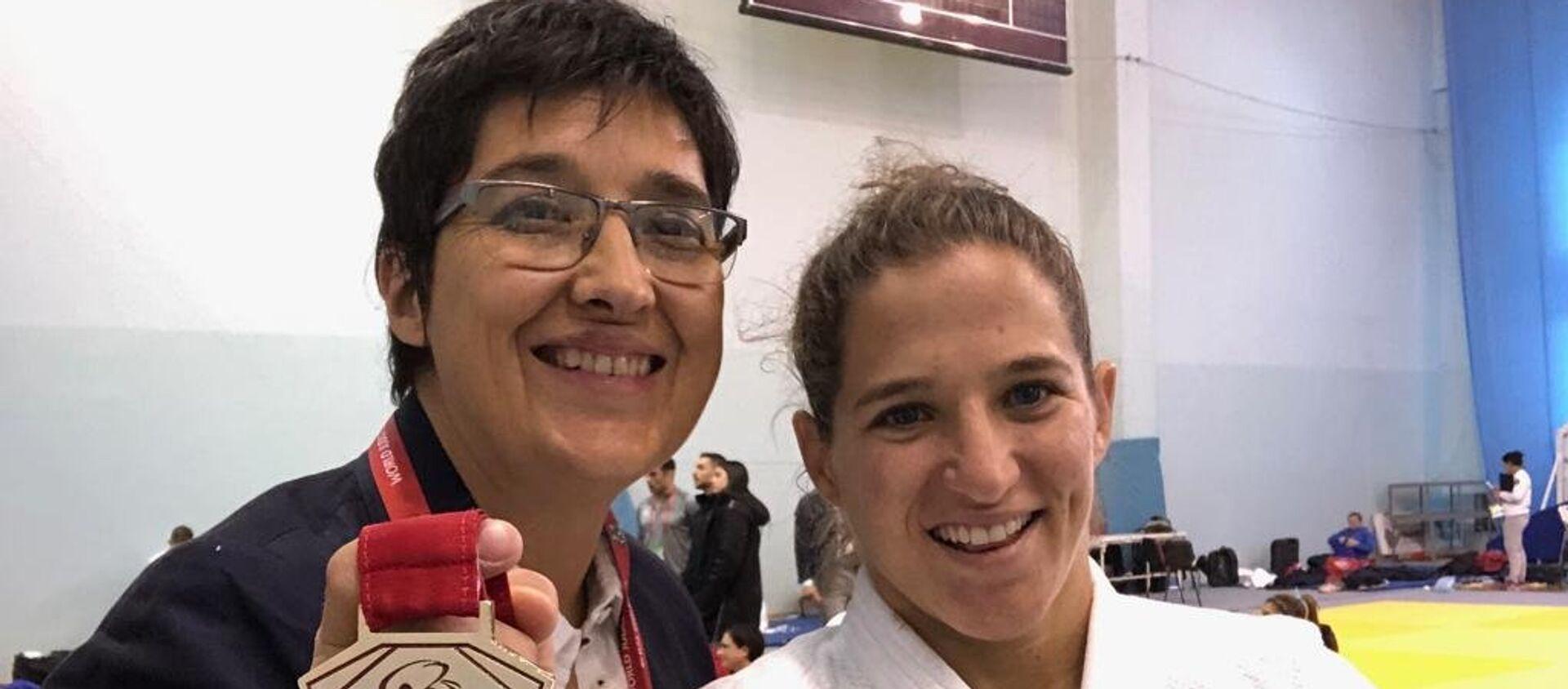 Laura Martinel y Paula Pareto tras obtener una medalla de oro en Rusia, en marzo de 2019 - Sputnik Mundo, 1920, 06.04.2019