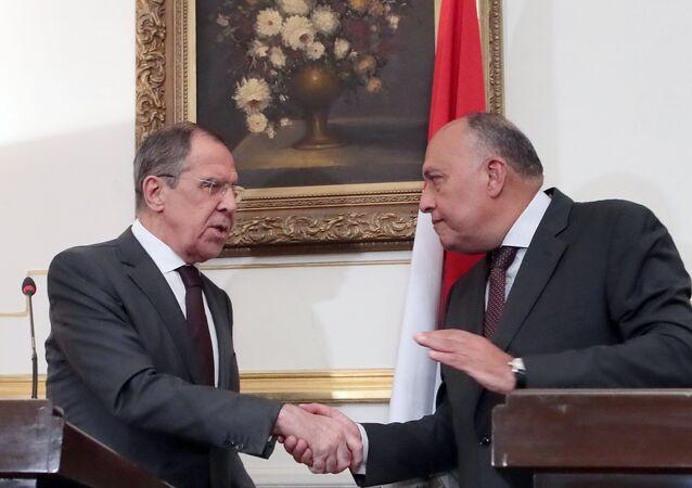 El canciller ruso, Serguéi Lavrov, y el ministro de Exteriores egipcio, Sameh Shukri (archivo)
