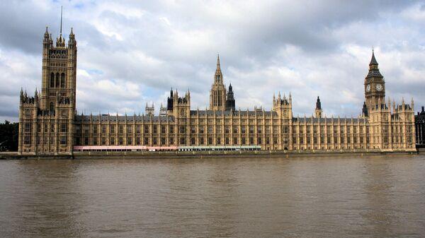 Palacio de Westminster, sede del Parlamento británico - Sputnik Mundo