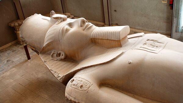 La estatua de un faraón (imagen referencial) - Sputnik Mundo