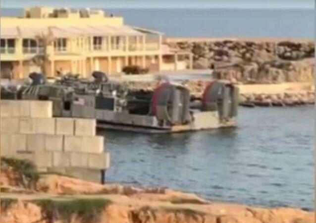 Vídeo de la evacuación de los militares de EEUU desde Trípoli